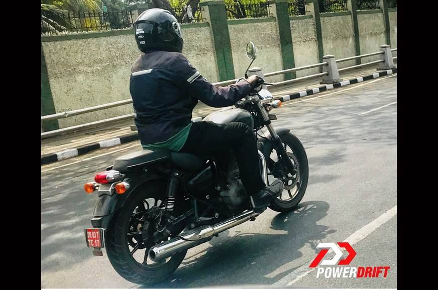 New Royal Enfield Thunderbird spotted testing
